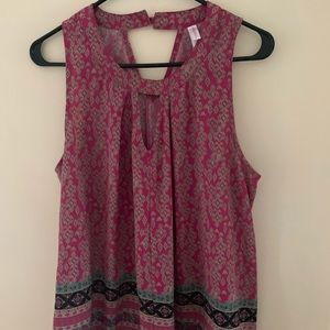 Patterned keyhole shell top